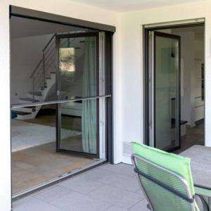 Bild Haus 2 Fenster-min